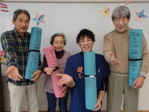 先生を中心に「はい、ポーズ!」高川シルバーパワーアップのメンバーです。